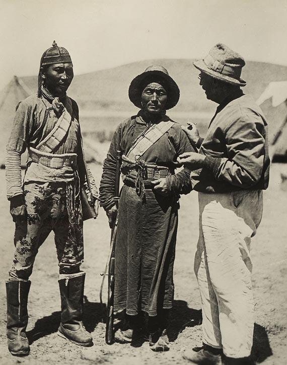 Sven Hedin - E. Zimmermann, Durch Asiens Wüsten. 2 Fotoalben, 1926-1930 - Weitere Abbildung