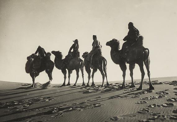 Sven Hedin - E. Zimmermann, Durch Asiens Wüsten. 2 Fotoalben, 1926-1930