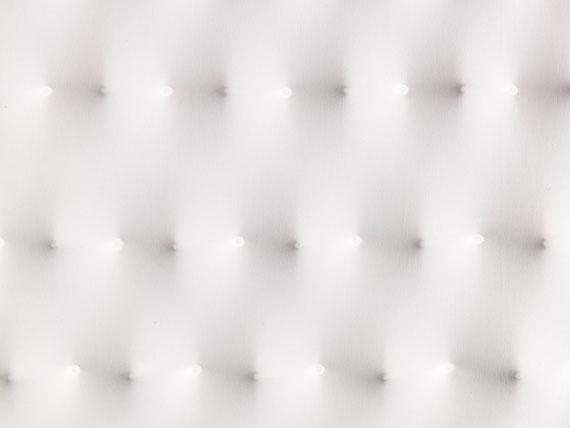 Enrico Castellani - Superficie bianca - Weitere Abbildung