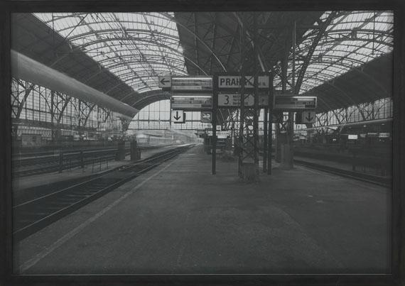 Michael Wesely - Praha 13:26 - Frankfurt 22:31 - Frame image