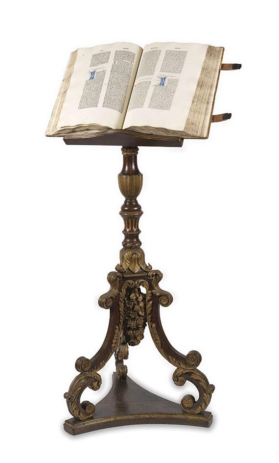 Biblia latina - Sensenschmidt-Bibel, mit Barock-Buchständer.