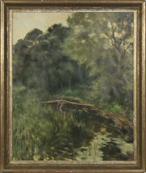 Lotte Laserstein - Baumreiche Landschaft mit Steg am Waldteich - Rahmenbild