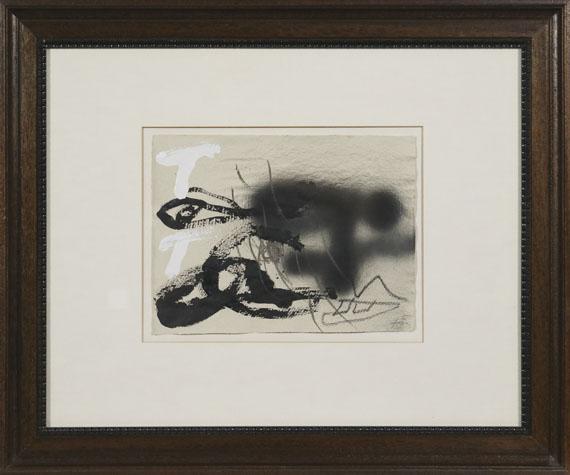 Antoni Tàpies - Esprai negre V - Frame image