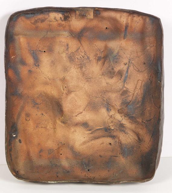 Käthe Kollwitz - Grabrelief (Ruht im Frieden seiner Hände) - Rückseite